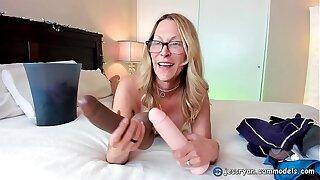 Sex Toys Milf Jess Ryan On Cam