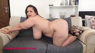 Sweetheart Mia curvy Romanian with huge tits