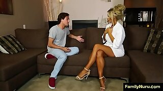 Dude force milf neighbore to sex massage