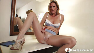 I want a young hard cock in me
