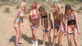 Francaises salopes exhib a la plage