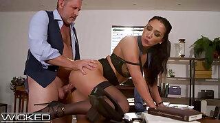 Sexy Latina Secretary Vicki Chase Gets Fucked By Her Boss