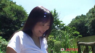 Japanese MILF Loves Being Naughty At The Park