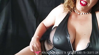 Vends-ta-culotte - French MILF in Leather Underwear, Dildo Play