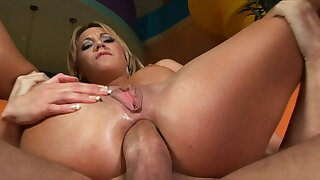 The blonde stunner Babe likes big cocks up her ass