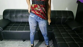 Thai Bitch on High Heels Peed in Jeans! User request!